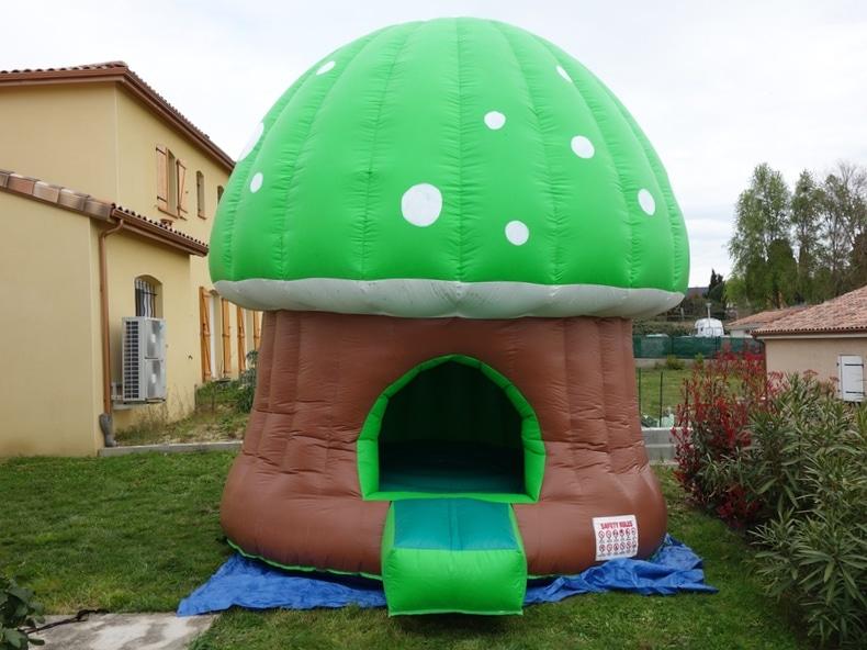 chateau gonflable champignon