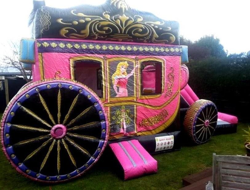 chateaux gonflable carrosse princesse