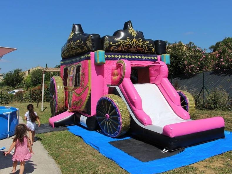 chateau gonflable carrosse princesse